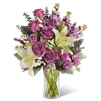 White_lilies_and_lavander_roses